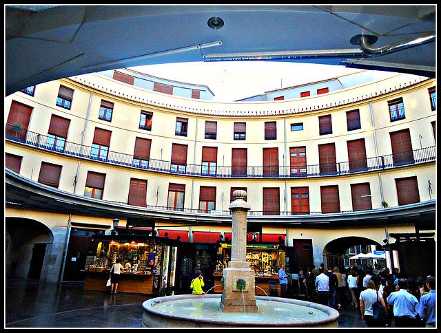 Valencia: Plaza Redonda 8