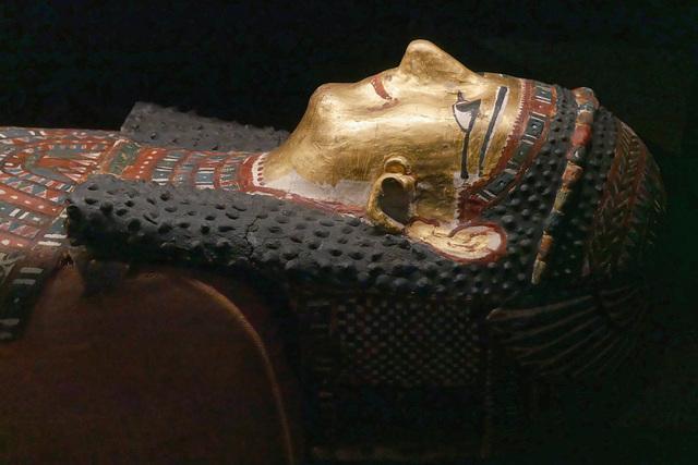 Sarcophage souriant