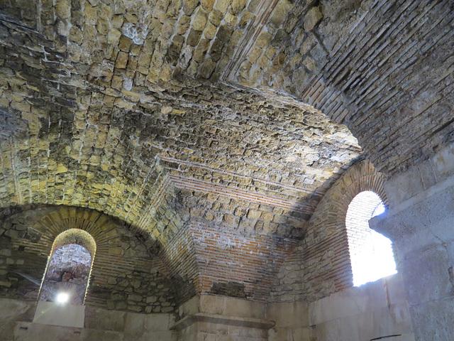 Sous-sols du palais de Dioclétien : voûte.