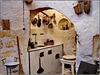 Matera : l'interno di una casa costruita nei Sassi - la cucina