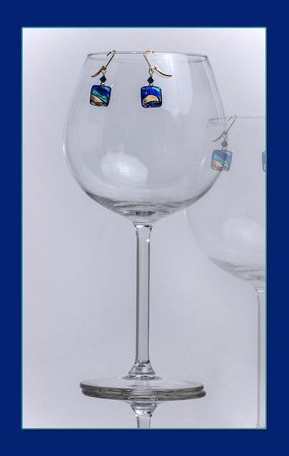 test-earrings wineglass