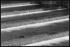 Et en escalier coule une rivière...