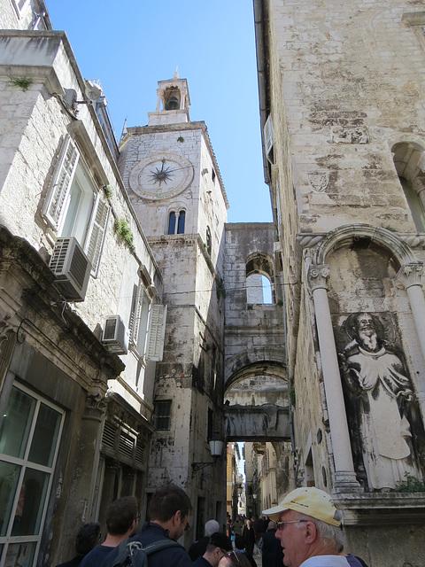 Split : la porte ouest, 2
