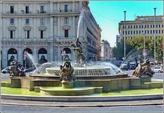 Roma : Fontana delle Naiadi in piazza repubblica