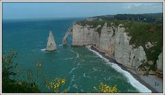 **Jolies falaises d'Etretat ** en France **