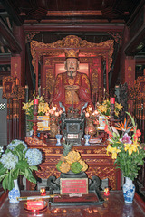 Altar to Confucius and his disciples