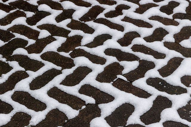 Block paving snow patterns