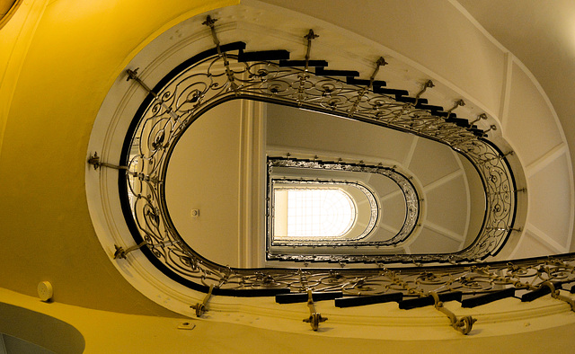 Im Laeisz-Hof -Staircase #17/50