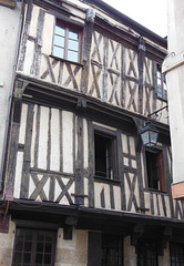 T like TIMBERED house (Semur-en-Auxois)