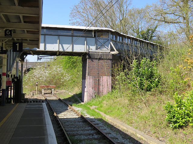 gordon hill railway station, enfield, london