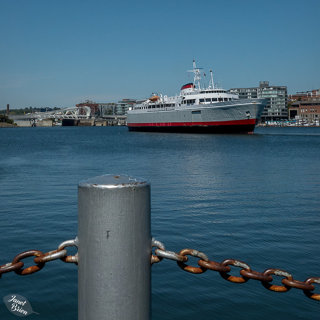 A Day Walking in Victoria, Part 2--HFF and much more! (+9 insets!)