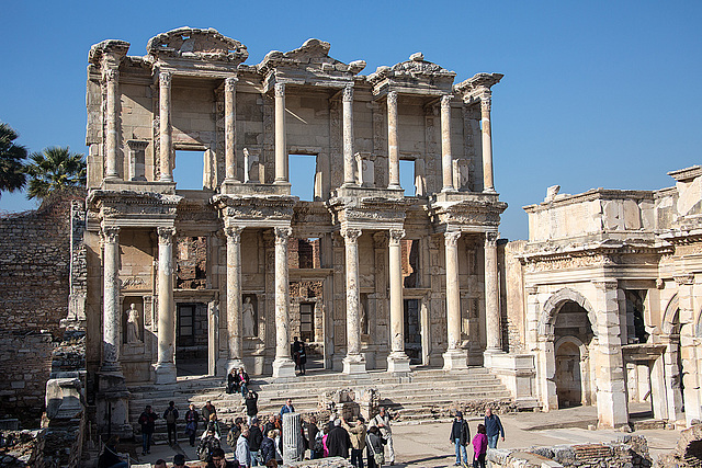 20151207 9764VRAw [R~TR] Celsus-Bibliothek, Ephesos, Selcuk