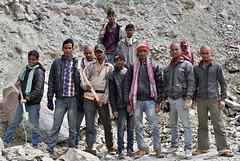Ouvriers affectés à l'entretien de la route Manali-Leh
