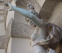 2 (21)...austria vienna statue