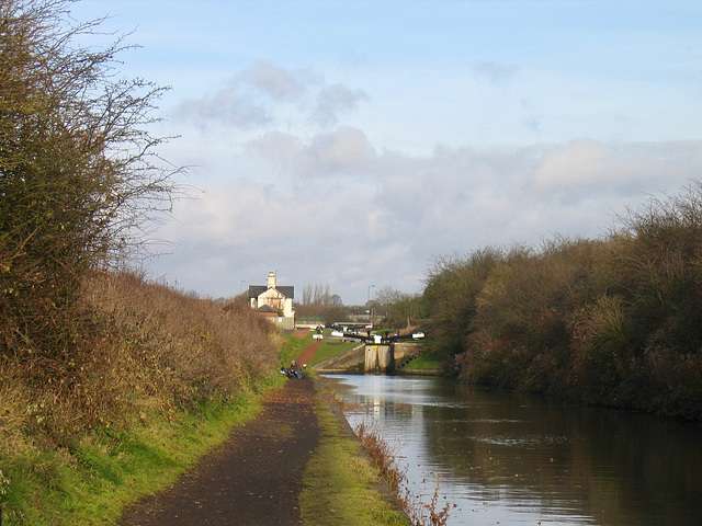 Rushall Canal looking towards Rushall Locks.
