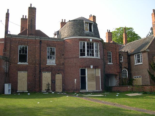 West Retford Hall, Nottinghamshire (now reoccupied)