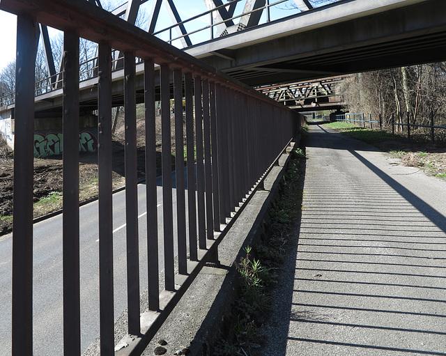Brücken und Straßen
