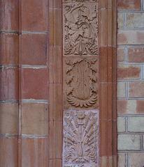 Terracotta-Fliesen als Türumrandung