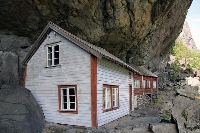 Jøssingfjord.  The Helleren houses