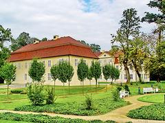 Mirow, Kavaliershaus und Schloss