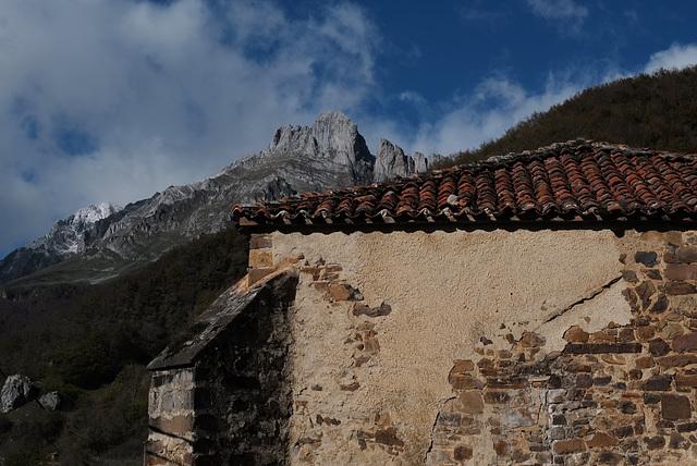 Picos de Europa, Espinama, Iglesia Vieja