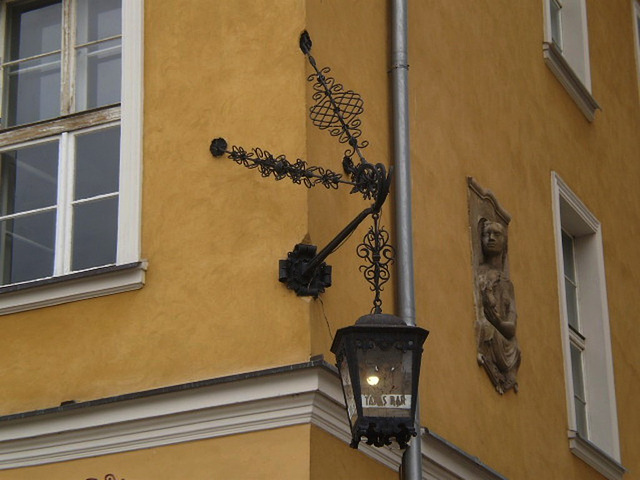 Tapas Bar's street lamp.