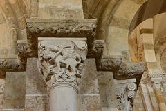 Vezelay, chapiteau, David et le lion