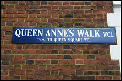 Walk to Queen Square