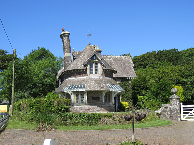 east lodge, membland estate, devon