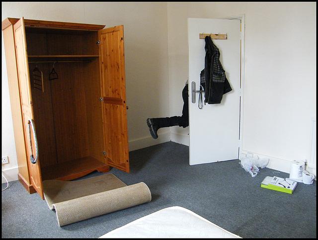 Dickshon's new room (5)