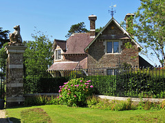 bull and bear lodge, membland estate, devon