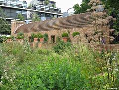 jardins et serre, au milieu des immeubles !