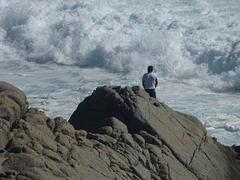 Hombre frente al mar