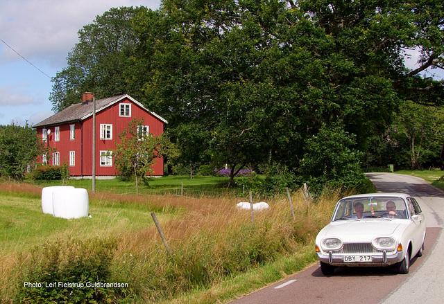 1963 Ford Taunus 17M i Högsbyn. Veteran Classic Dalsland. 8.Aug.2015. 58°53′54″N 12°22′55″E (approx. address: 2221, 660 10 Dals Långed, Sverige)