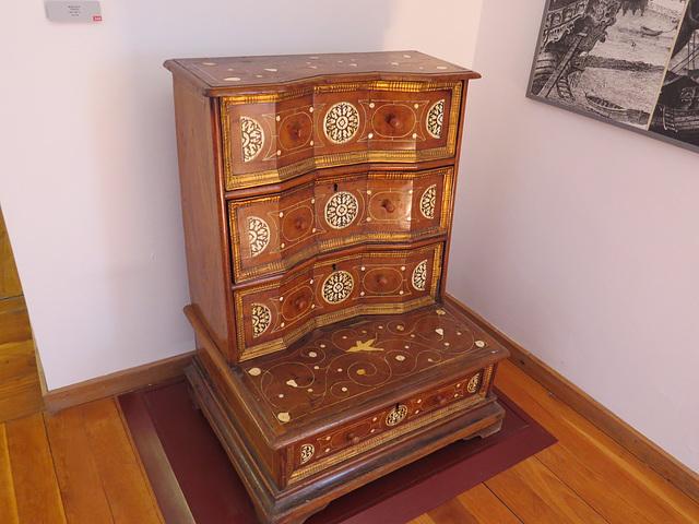 Musée de la ville de Split : secrétaire/Prie-Dieu.