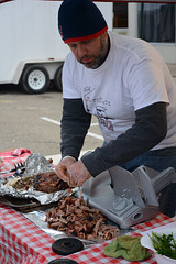 Preparing pulled pork for judging