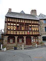 la maison d'Ernest RENAN à TREGUIER