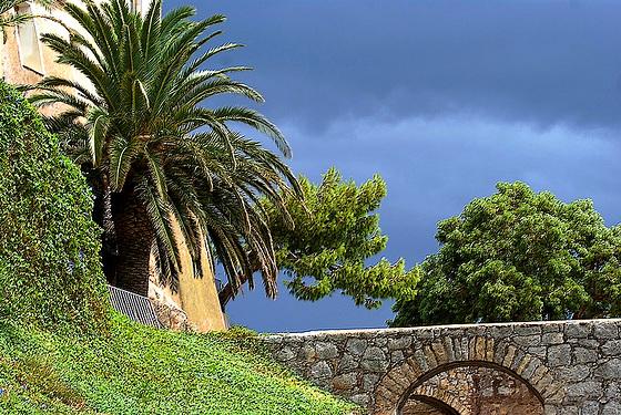 A l'intérieur de l'île paysage méditerranéen