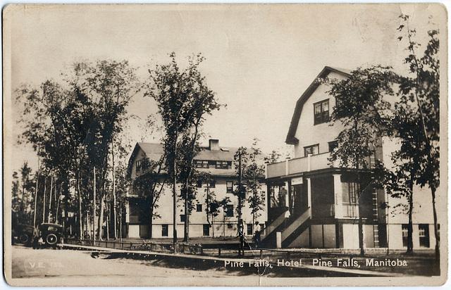 MN1143 PINE FALLS - HOTEL