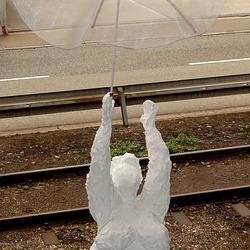 jetzt hat sie einen Schirm