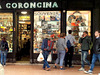 La Coroncina - Un antichissimo negozio di souvenir.. in via Indipendenza.