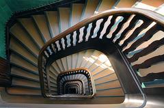 Wrangel-Haus: Die Treppen von oben. #25/50