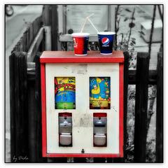 Getränkeautomat - Beverage dispenser (◕‿-)
