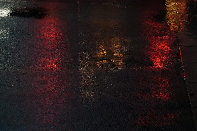 Abstraction sur chaussée mouillée