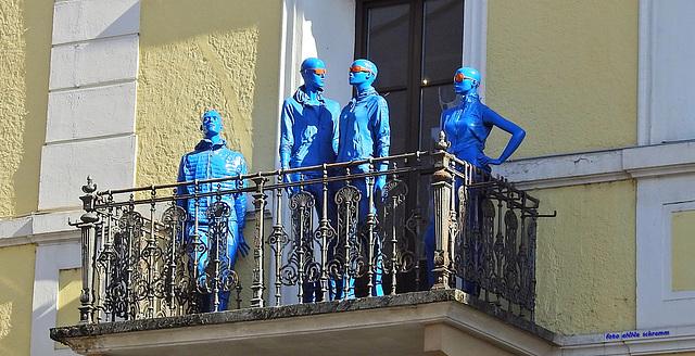 Blue man - Blue woman