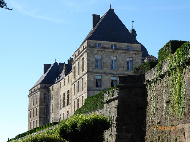 chateau de HAUTEFORT Dordogne