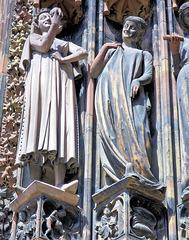 """Strasbourg (67) 8 août 2011. Les """"vierges folles"""" du porche de la cathédrale."""