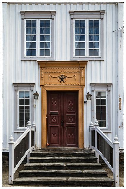 Røros doors (PiP)
