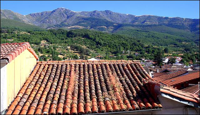 Hervás Rooftop and the Sierra de Bejar.