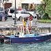 kleiner Fischer im Hafen von Siracusa